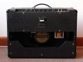 Instapversie Vox AC15 TB Korg Marshall 1995-2003 back met 1 Vox label Eminence speaker 12 inch in plaats van Blue Alnico. Verder gelijk aan TBX en TB2.