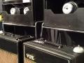 Vox AC15/4 (model 1957) en de AC30/6 (model 1964) als Limited Edition (150 stuks) 60th Anniversary UK Handwired op de Namm stand 2017.