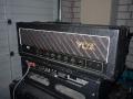 Vox Concert 100 top, geproduceerd bij Audio Factors 1987-1989. Vermogen 100 watt buizen RMS. Te gebruiken met 2 gestapelde 4*12 inch cabinets als Marshall. Deze types zijn van weinig betekenis voor de sound van The Shadows.