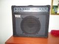 Vox Q-Series Lead 100 1988. Geproduceerd bij Precision Electronics. 100w Mosfet , ook als Bass en Accoustic GT100 , Daarnaast als KB 50 in 50 watt Mosfet.