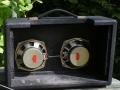 Vox Super Twin, zicht op de twee Elac 5 inch car audio speakers.