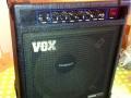 Vox Venue 50 Lead, 50 watt transistor, ook in Bass uitvoering. Geproduceerd bij Audio Factors 1984-1986. Deze types zijn van weinig betekenis voor de sound van The Shadows.