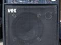 Vox Venue GT100, 100 watt transistor 1 acoustic en 1 gitaar-micro kanaal. Geproduceerd bij Audio Factors 1984-1986. Deze types zijn van weinig betekenis voor de sound van The Shadows.