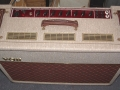 Top Fawn Vox Limited Edition TBR 1991, ter gelegenheid van de 30th Anniversary. Oorspronkelijke JMI circuit uitvoering met Red Panel. Met ondersteuning van Dick Denney in nieuw jasje geproduceerd bij Precision Electronics.