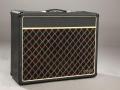Front Vox Escort 50 Solid State Lead. Nieuw Rose Morris model 1975-1983, geproduceerd bij Dallas. Power 50 watt, 2 kanalen high/low. Master- en Volumecontrol. Toonregeling Treble. Middle, Bass.