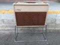 Vox AC30 Rigid Tube Stand 1962 laag model met pinnen en rubbers.