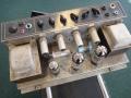 Vox AC 50/4 MK3 met GZ34 gelijkrichtbuis, 2e versie chassis met 2 EL34 eindbuizen, goed voor 50 watt RMS vermogen. Tot eind 1964 GZ34 gelijkrichtbuis waarna diode. Oversized trafo's.