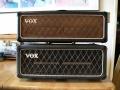 Vox AC50, klein dik cabinet met bruin tot medio 1964 en zwart doek vanaf najaar 1964.