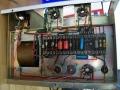 Circuit Vox Metal Clad PA 50/4 versterker, onderkant twee EL34 buisvoeten.