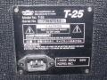 2001-2005 T25 Solid State Bass amp 25 watt. 10 inch speaker en horn. Made in Korea. typeplaatje.