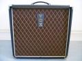 2001-2005 T60 Solid State Bas amp 60 watt met 12 inch speaker en horn. Made in Korea.