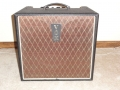 2001-2005 T60 Solid State Bass amp 60 watt met 12 inch speaker en horn. Made in Korea.