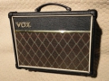 2007-2009 Vox DA10 Classic battery-mains amp 10 watt RMS.