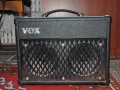 2007-2009 Vox DA10 battery-mains amp 10 watt RMS met plated steel grill.