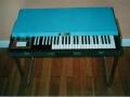 Thomas P-350 Organ lijkt op Britse Vox Jaguar.