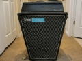 1965- Vox Galaxie Ampliphonic Sound Music stand 35 watt Solid State amp. Bedoeld om in een orkest blaasinstrumenten middels een pick-up uit te versterken.
