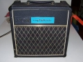 1968- Vox Nova Ampliphonic Sound Music stand 10 watt Solid State amp. Bedoeld om in een orkest blaasinstrumenten .middels een pick-up uit te versterken.