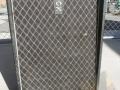 1965- Vox Essex Bass V4-V104 front, plywood-spaanplaat cabinet, pebble vinyl.