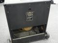 1968- Vox Kensington V1241, closed back met SBU handle en open onderpaneel, typeplaatje, switch en kalibreeropening G-Tuner.