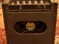 1965- Vox Pathfinder V1, 8 inch Oxford speaker, ovale opening.