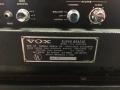 1966- Vox Super Beatle V114, back panel midden, typeplaatje.