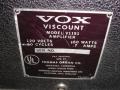 1966- Vox Viscount V1151, typeplaatje. Voor V1152 werd sticker met 2 eroverheen geplakt door Vox Thomas.