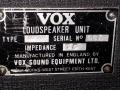 1967- Vox Defiant VSEL typeplaatje cabinet.