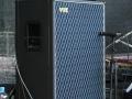2002-2006 Vox AD120VTH Slant head (2x60 watt) en AD412 (USA) plywood cabinet waarin 4 Neodog 80 watt 12 inch speakers met lichtgewicht neodymium magneet.