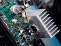 ECC83 met 1 watt output in het hart van de Solid State power amp.