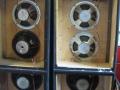 WEM Vendetta Columns 1973-1974, open back met in de top 2 Celestion T1360 horns, midden 2x 10 inch mid range speakers, onder 2x 12 inch bas speakers.