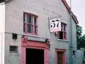 Caxton House waar de Watkins gitaren werden geproduceerd, net voor sloop in 1982.