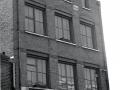 De buitenkant van de WEM fabriek in Offley Road Kennington London SW .